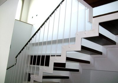 escalera-metal-blanca