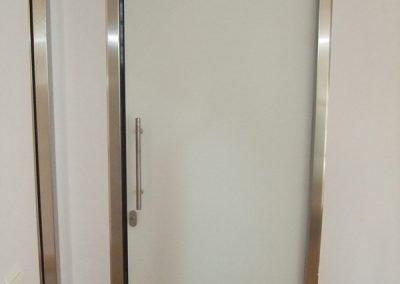 puerta-marco-inoxidable